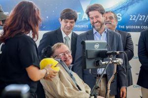 Pink Floyd hace sonar voz computerizada de Stephen Hawking